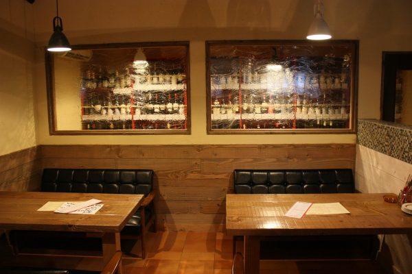 高崎市にあるワイン蔵をイメージした飲食店